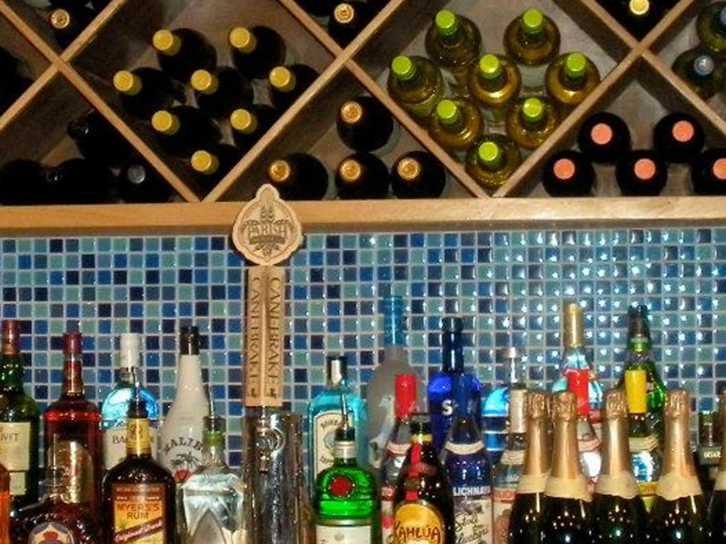 Happy Hour with Local Craft Beer on Tap, Gator-Tinis & More